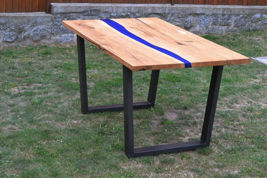 Licí epoxidová pryskyřice, nábytek z pryskyřice, jídelní stůl
