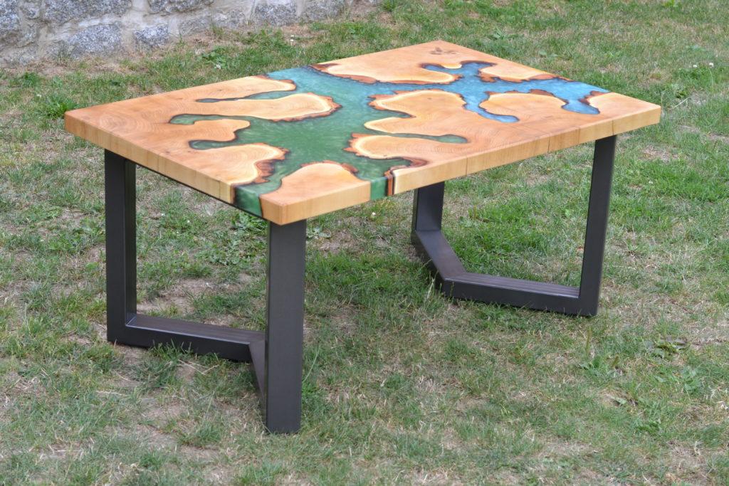Konferenční stolek z epoxidové pryskyřice, nábytek z masivu, epoxidová priskyřice,resin table