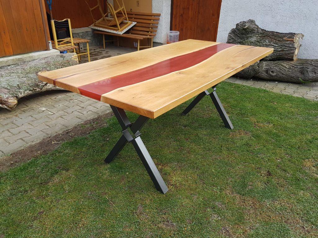 Výroba nábytku z masivu a epoxidové pryskyřice, jídelní stůl z epoxidové pryskyřice, konferenční stolek z epoxidové pryskyřice, kuchyňská dvířka